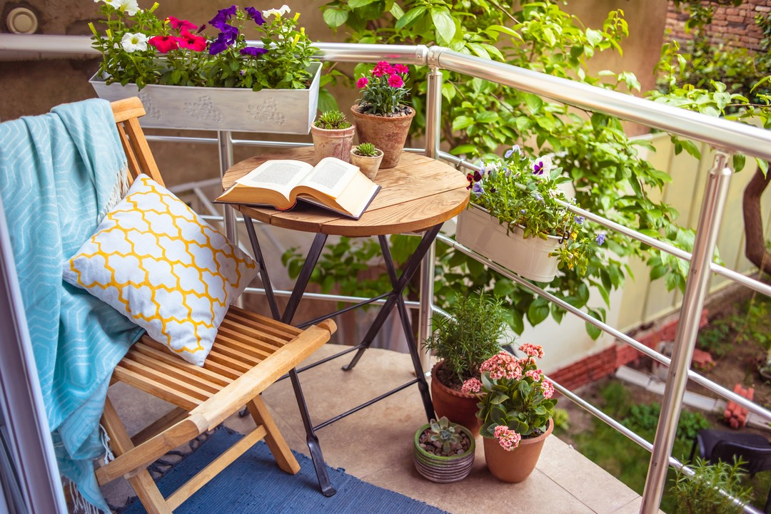 Petit balcon fleuri